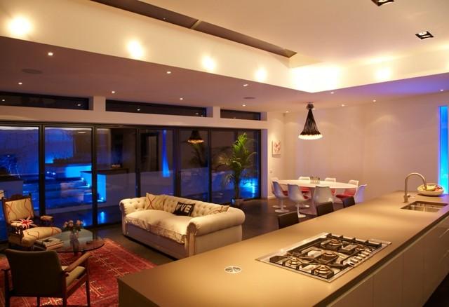 lámparas led distintas areas iluminadas cocina salon comedor bonita