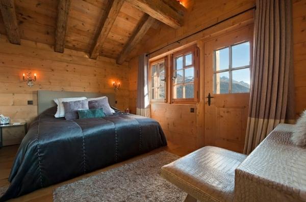 dormitorio finca rural amplio pared madera
