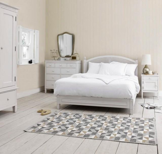 dormitorio luminoso romantico alfombra estilo shabby chic