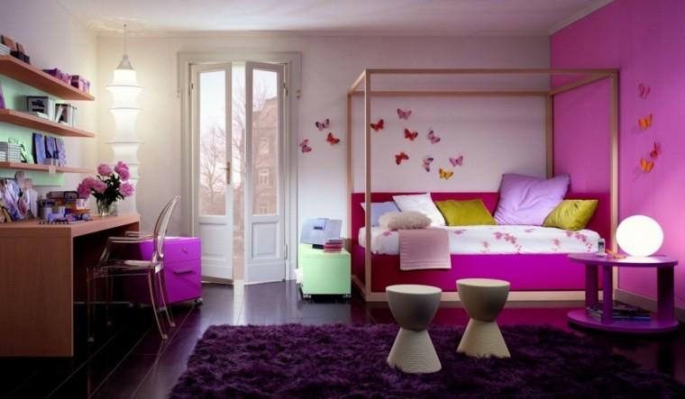 dormitorio rosa alfombra morada mariposas
