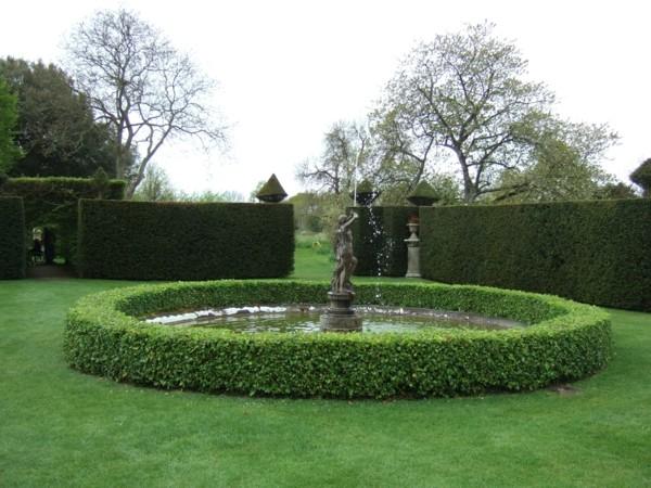 estanque fuente clásica jardín redonda