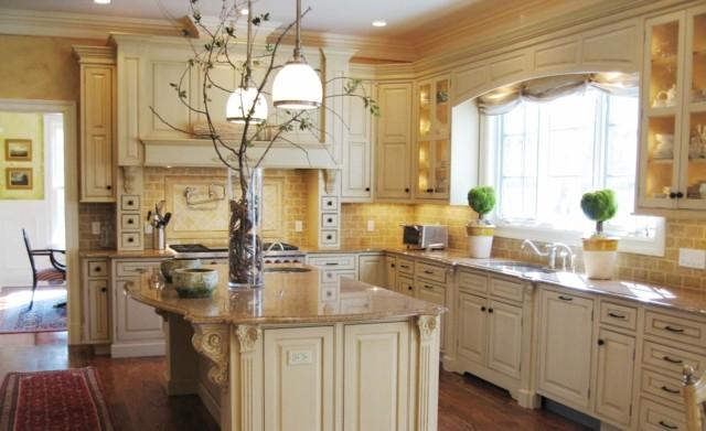 estilo cocina amplia contemporanea azulejos amarillos espaciosa pared