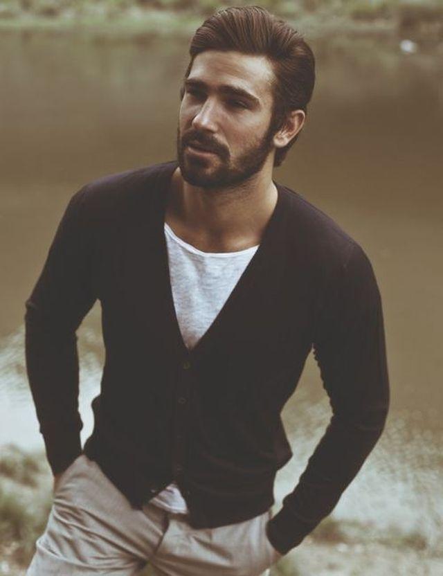 estilo moderno peinado hombre tupe