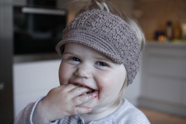 estupenda diadema crochet gorra gris