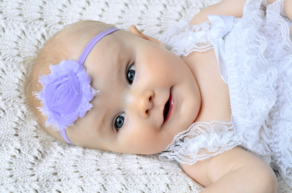 estupenda diadema lila bebe flor