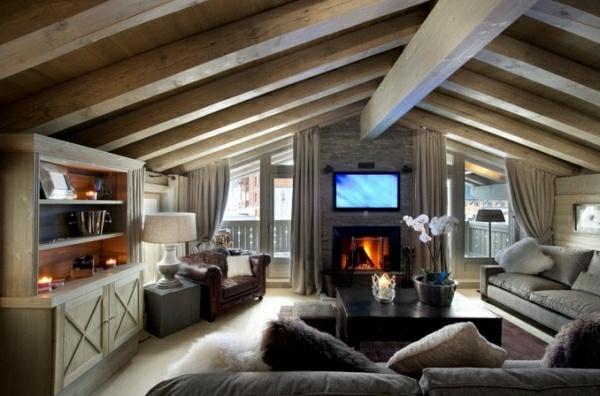 fincas rusticas salon chimenea muebles madera