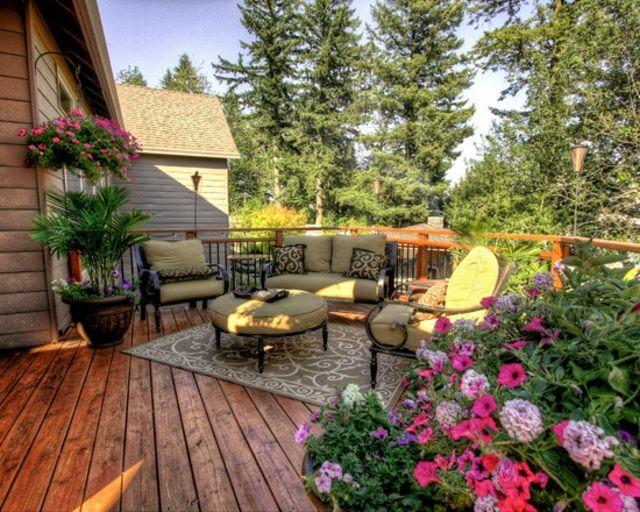 flores terraza madera muebles plantas