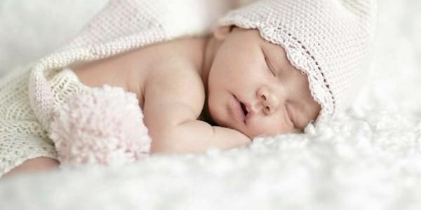 gorrito crochet blanco bebé