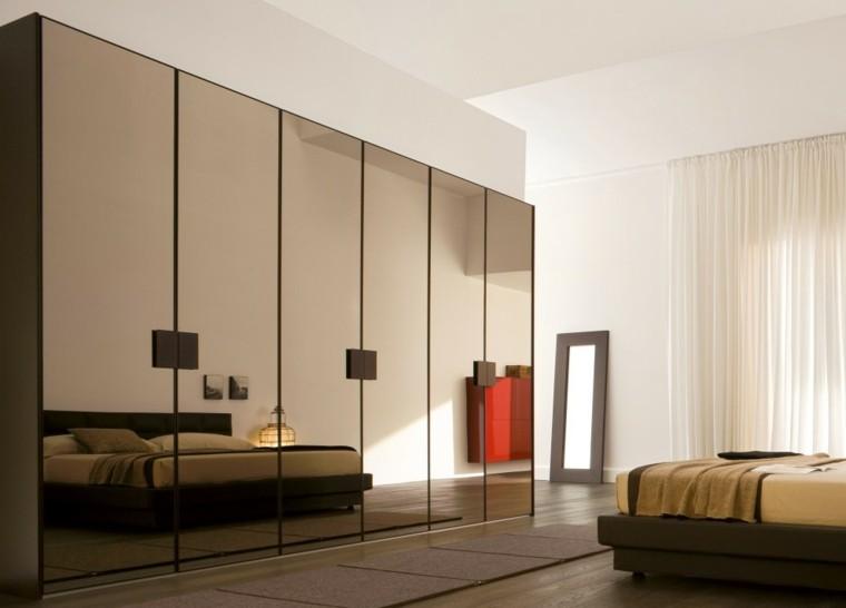 habitación moderna armario grande espejos
