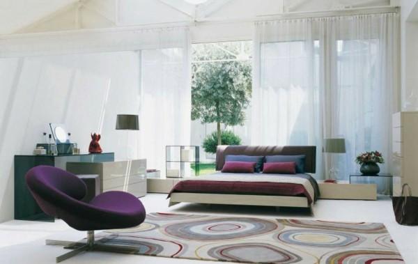 habitación ventana terraza sillón morado