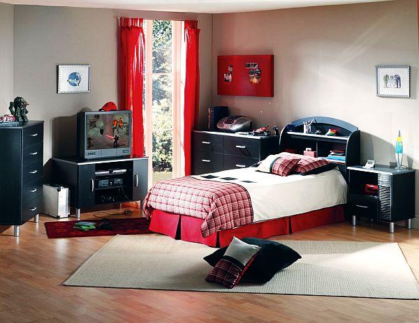 habitacion cortinas rojas espaciosa paredes claros