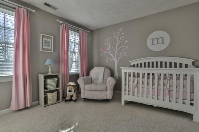 habitaciones de bebe cuna moderna blanca mecedora comoda