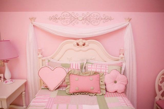 habitaciones infantiles rosa claro cojines