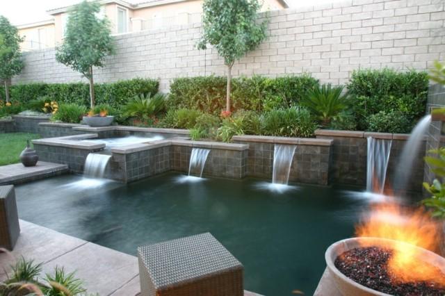 hoguera fogata jardin piscina cataratas