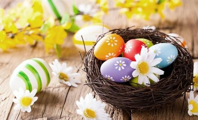 huevos de pascua flores canasta flores