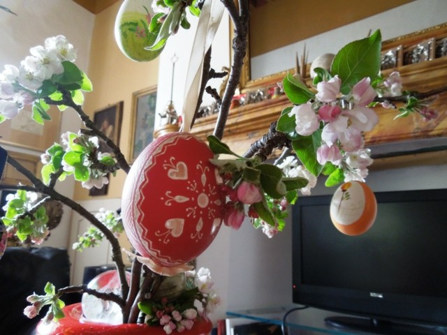 huevos fiesta pascua arbol flores