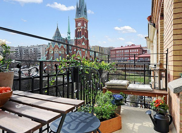 ideas creativas vista balcon madera banco masetas
