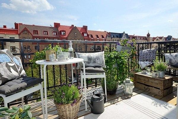 ideas creativas balcon muebles blancos vista bonita