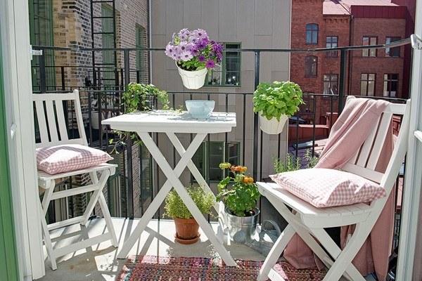 Ideas creativas para peque os balcones y terrazas - Sillas para balcon ...