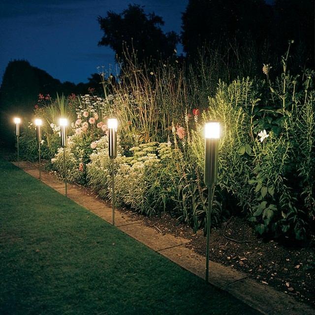 Iluminaci n exterior crea un ambiente m gico en su jard n - Iluminacion de jardin exterior ...