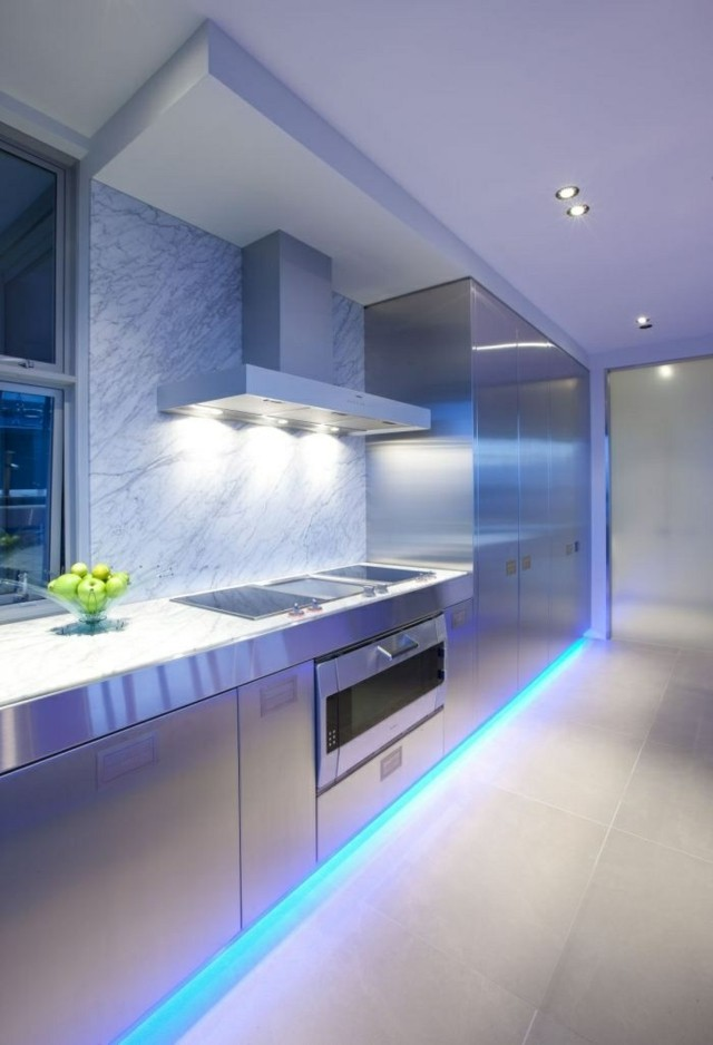 iluminacion led rosa cocina idea bordes