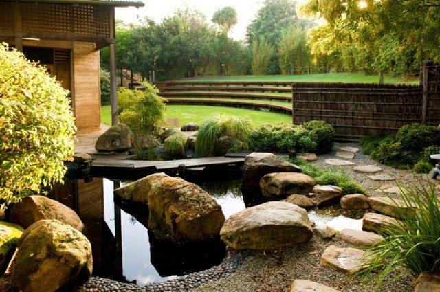 jardín japonés rocas puente madera
