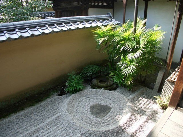 piedras pqueñas decoración palmera meditacion diseño