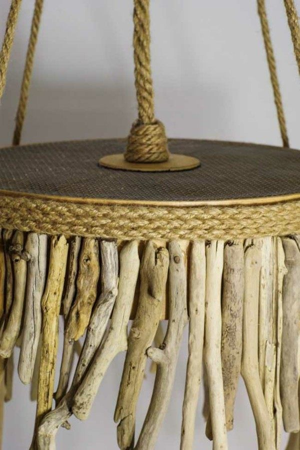 lámpara colgante decorada madera flotante