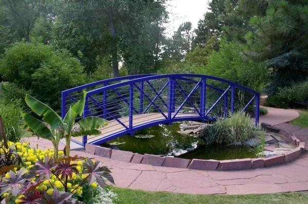 lago jardín puente azul bonito