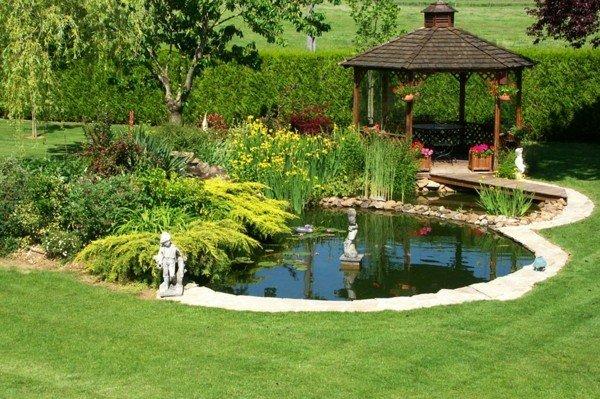 lagos y piscinas naturales para el jard n. Black Bedroom Furniture Sets. Home Design Ideas
