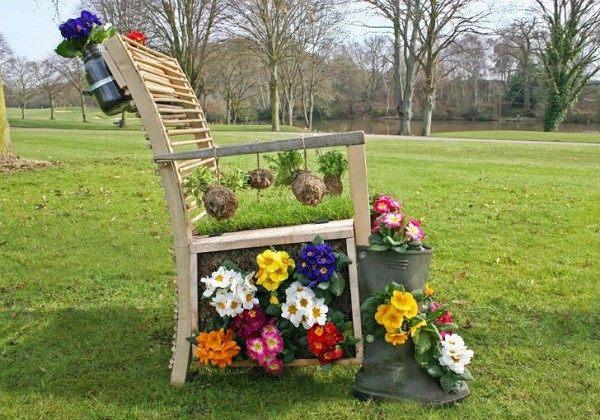 manualidades originales botas flores silla