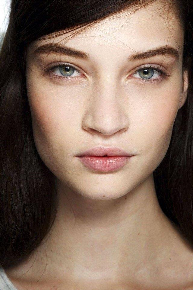 maquillaje sin colores llamativos cada dia