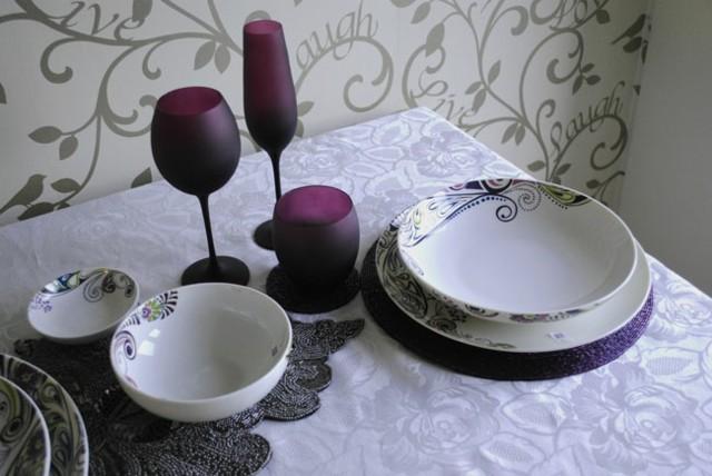mesa decorada lila blanco romantico