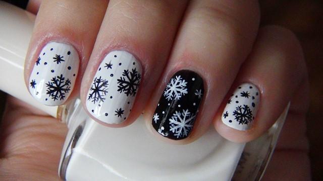 motivos navideños uñas blanco negro original