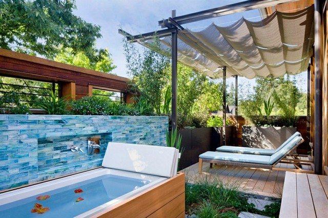 Muebles de baño en el jardín: tu propio spa en casa