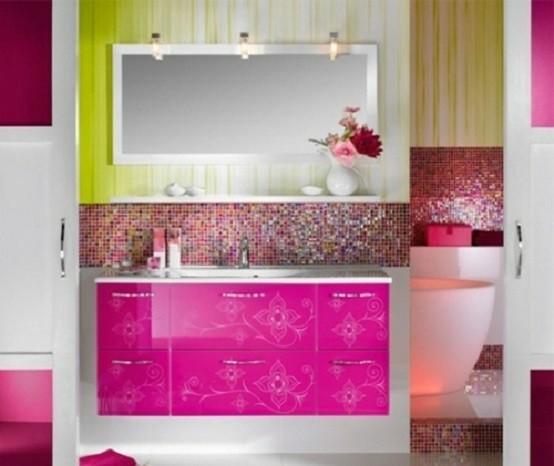 muebles baño rosa flores cristales