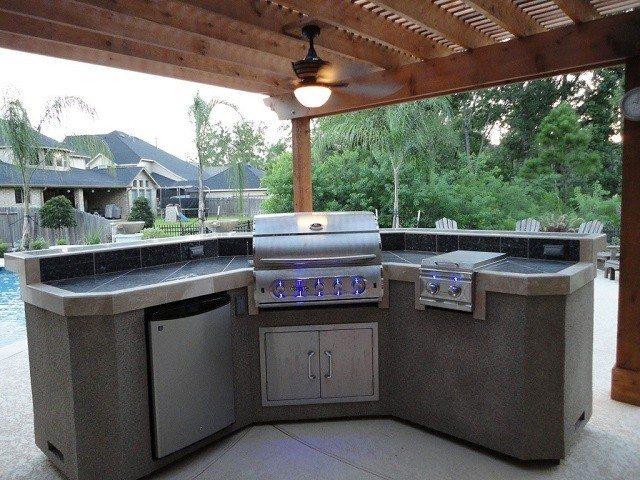 Barbacoas de obra y cocinas exteriores .