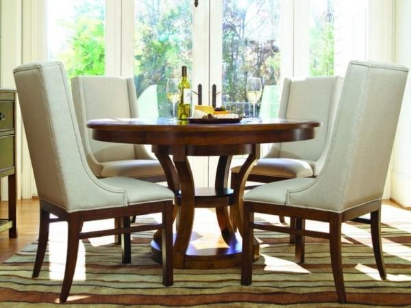 Muebles de comedor en el salón para las cenas especiales
