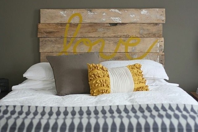 muebles con palets cama cabecera cojines