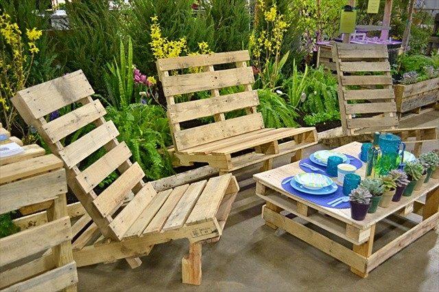 muebles con palets terraza exterior sillas