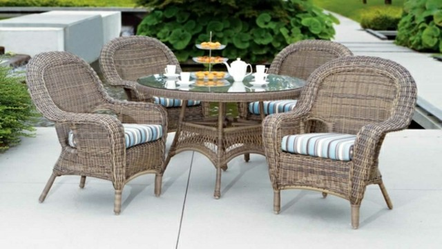 muebles de exterior mesa redonda cristal ratana almohadas mesa cristal