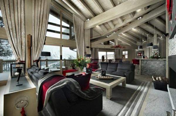 muebles elegantes negro techos madera alto