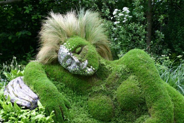 landscaping gardening naked woman green