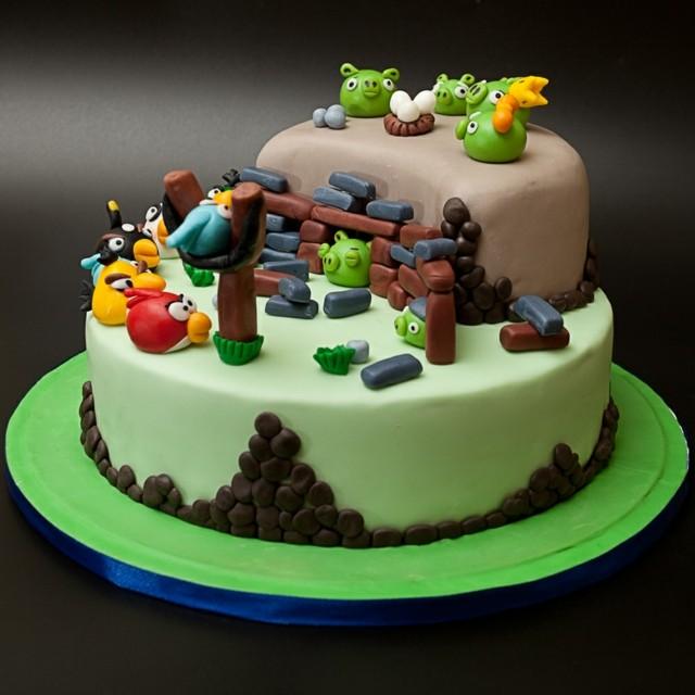 607e39608 View in gallery pajaros torta chocolate cumpleaños videojuegos