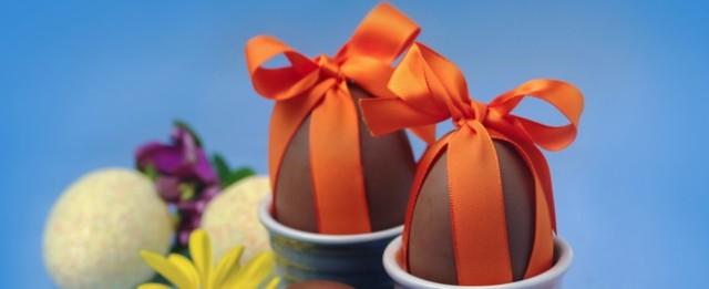 paquete huevos chocolate cinta roja