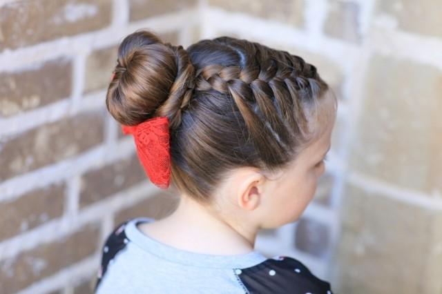 peinados para niñas trenza cinta roja