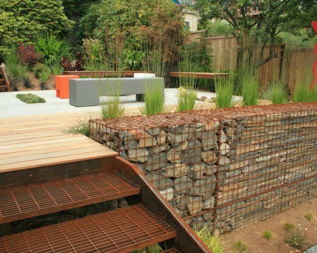 piedras escalera patio malla plataforma terraza