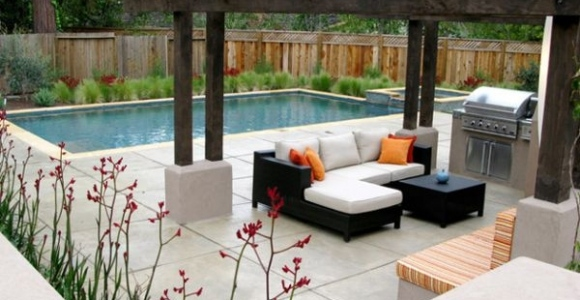 Pérgolas de madera, un oasis en medio de tu jardín.