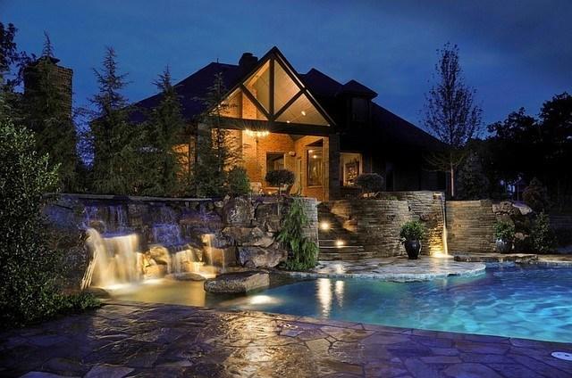 piscinas caidas muchos niveles noche interesante