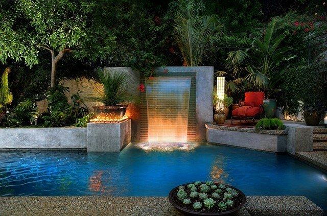piscinas jardin cascada diseño iluminacion subterranea